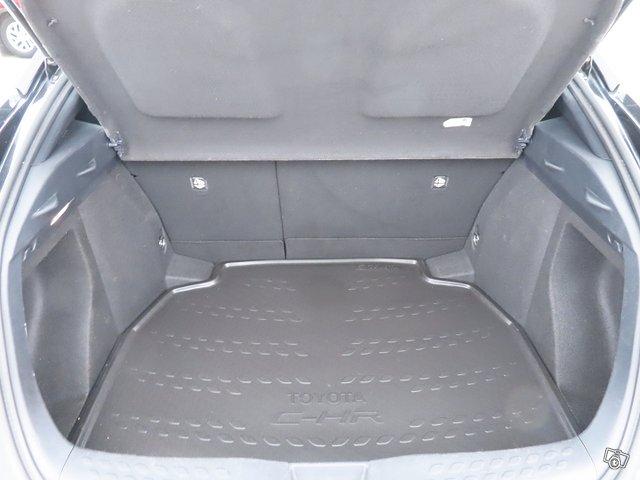 Toyota C-HR 14