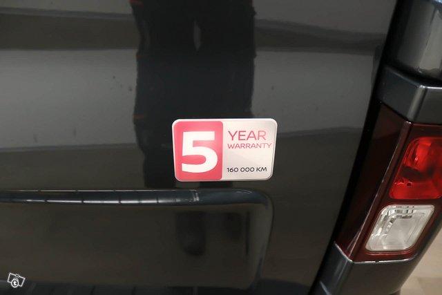 Nissan NV300 20