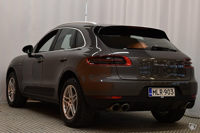 Porsche Macan 5