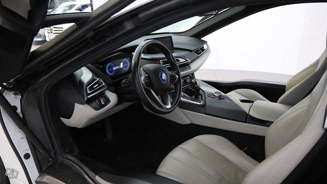 BMW I8 12