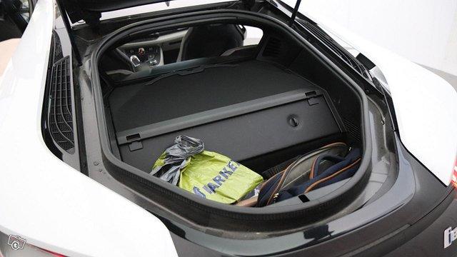 BMW I8 14