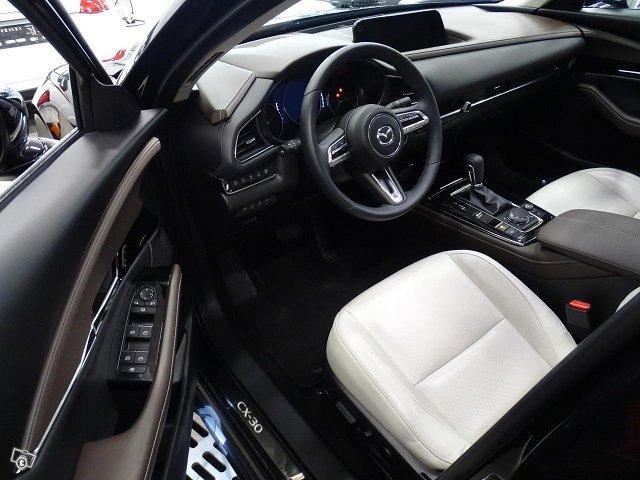 Mazda CX-30 4