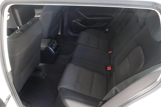 Volkswagen Passat 12
