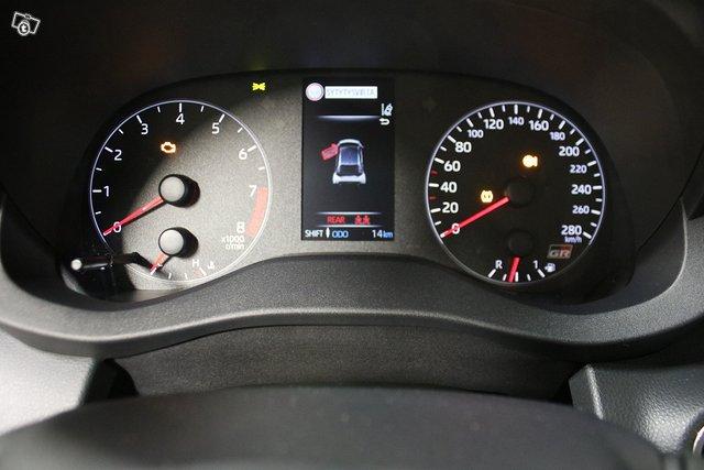 Toyota GR Yaris 11