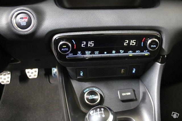 Toyota GR Yaris 12