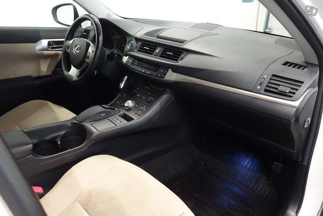 Lexus CT 8