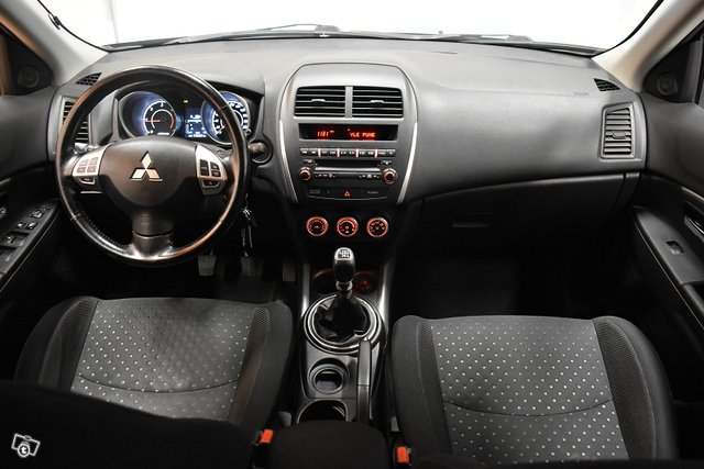 Mitsubishi ASX 13