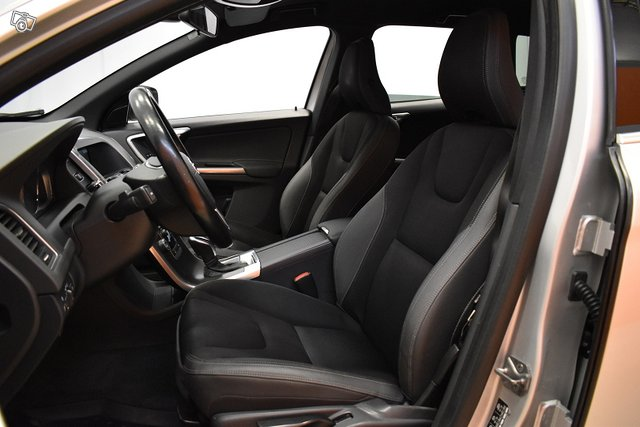 Volvo XC60 9