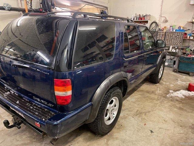 Chevrolet Blazer 4