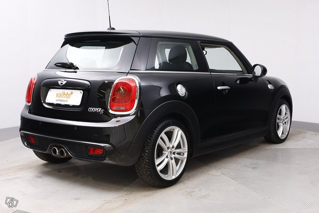 Mini HATCHBACK 5