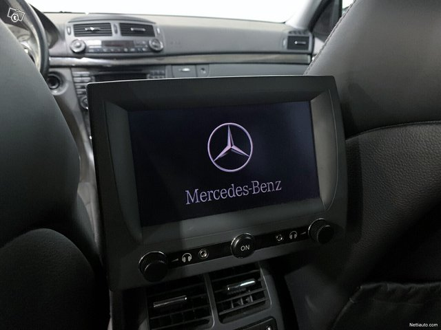 Mercedes-Benz E 55 AMG 10