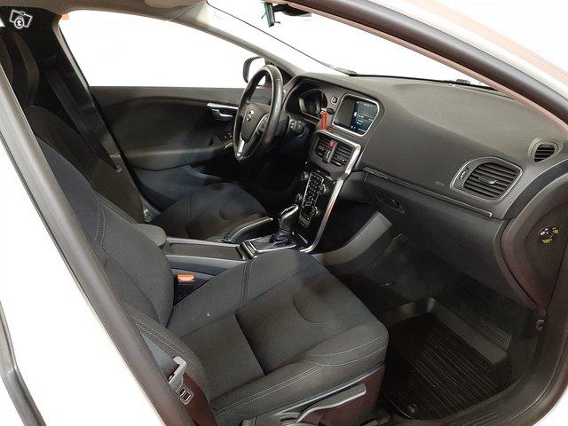 Volvo V40 Cross Country 8