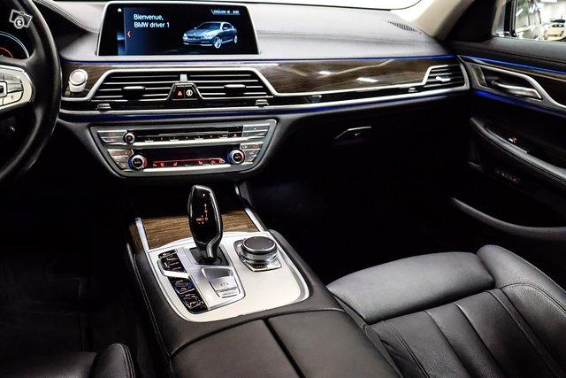 BMW 740 16