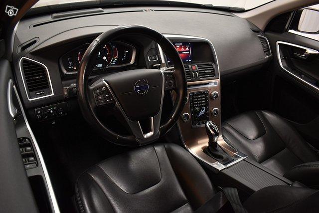Volvo XC60 11