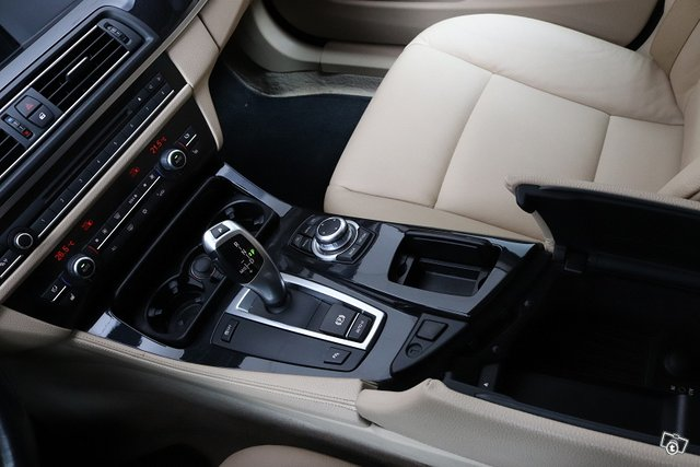 BMW 523 14