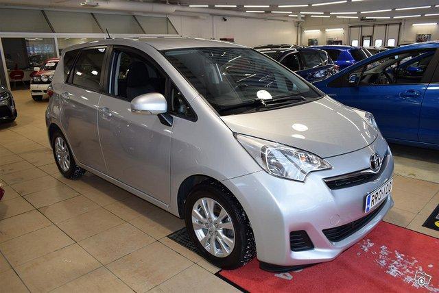 Toyota Verso-S 3