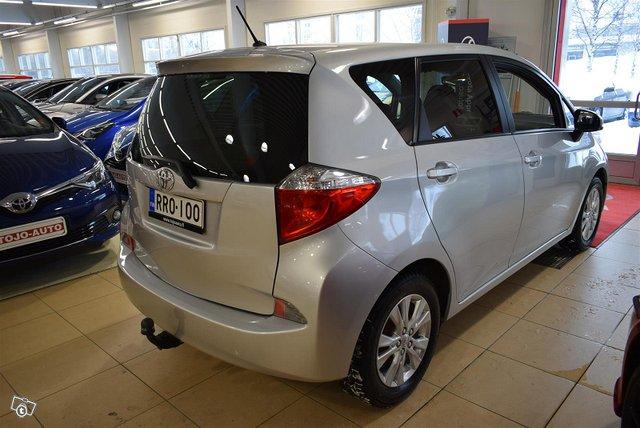 Toyota Verso-S 4