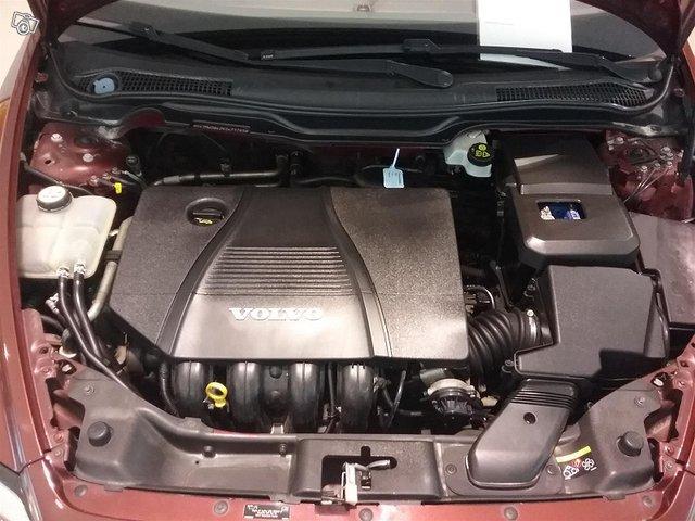 Volvo V50 16