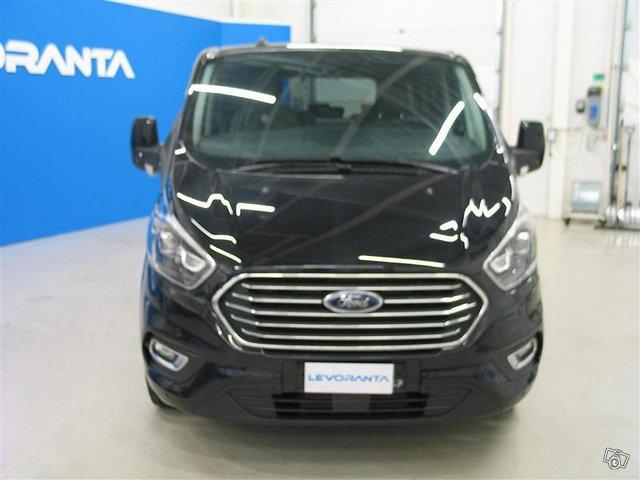 Ford Tourneo Custom 2