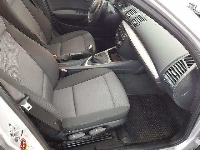 BMW 120i 8