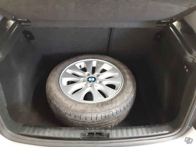 BMW 120i 10