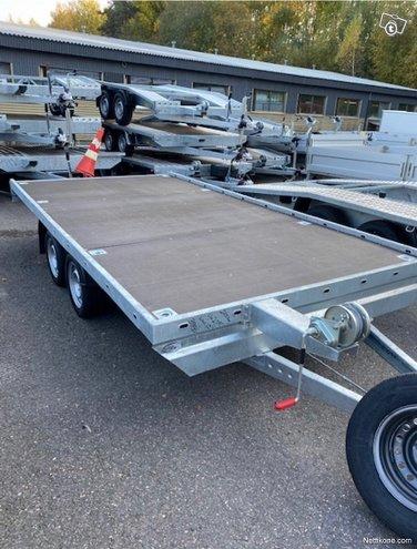 Niewiadow Atlas 4x2,1 2700kg
