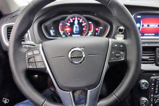 Volvo V40 19