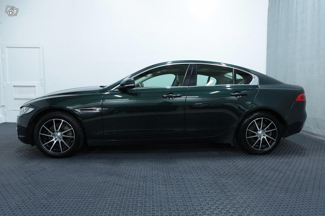 Jaguar XE 19