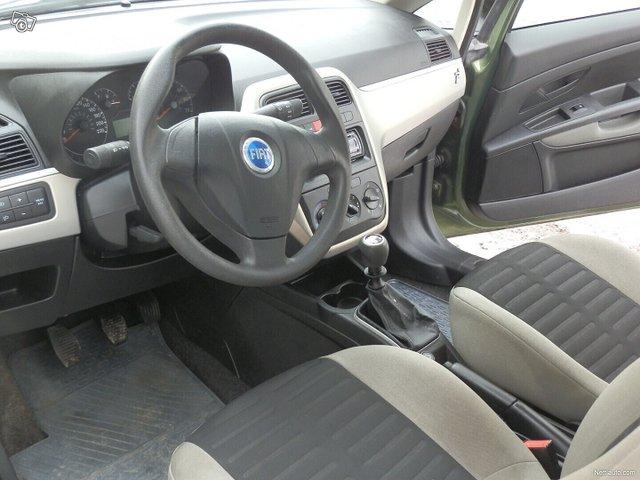 Fiat Grande Punto 10