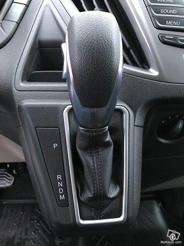Ford Tourneo Custom 22