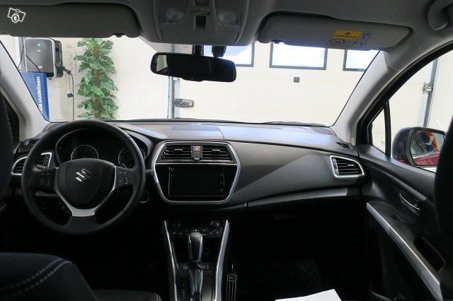 Suzuki SX4 S-CROSS 9