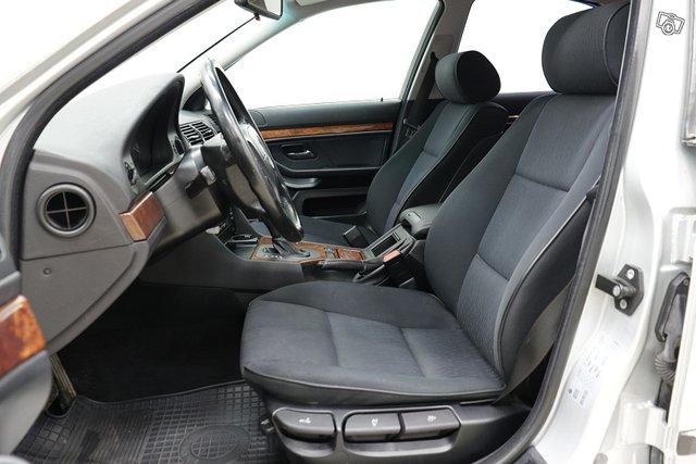 BMW 523 7