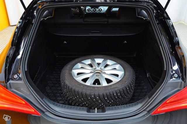 Mercedes-Benz CLA 21