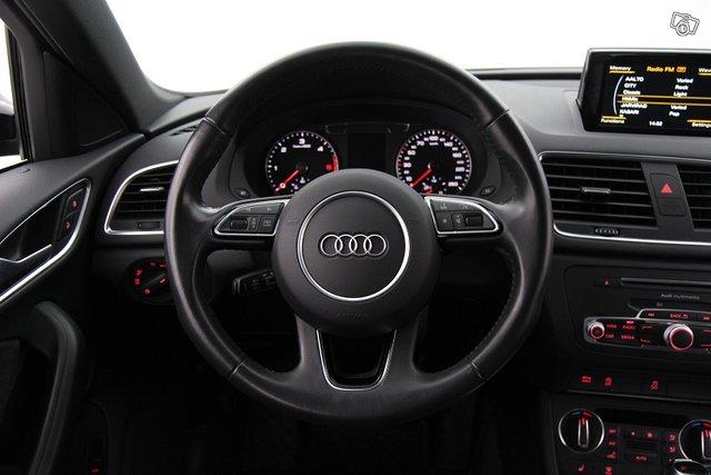 Audi Q3 10