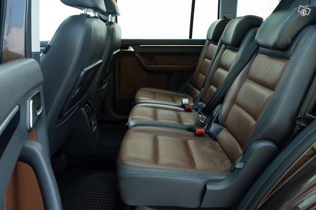 Volkswagen Touran 20