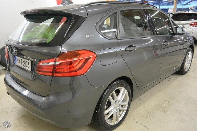 BMW 225 4