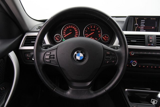 BMW 320 13