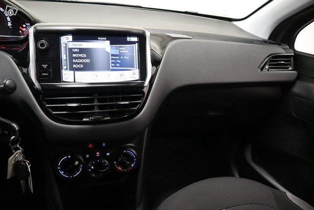 Peugeot 208 12