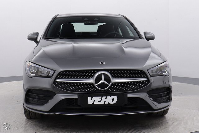 Mercedes-Benz CLA 8