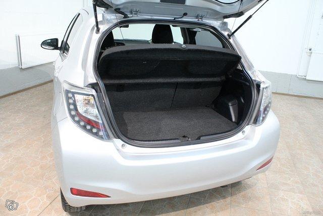 Toyota Yaris 13