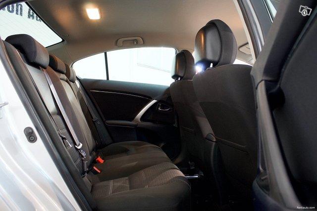 Toyota Avensis 14