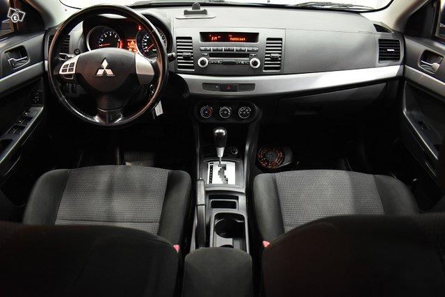 Mitsubishi Lancer 11
