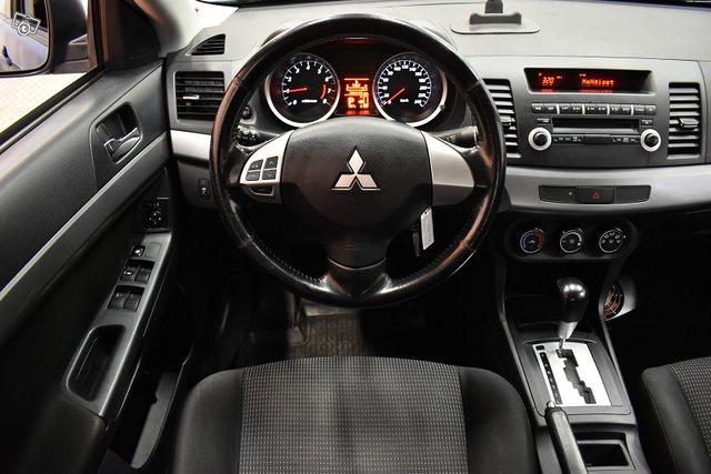 Mitsubishi Lancer 12