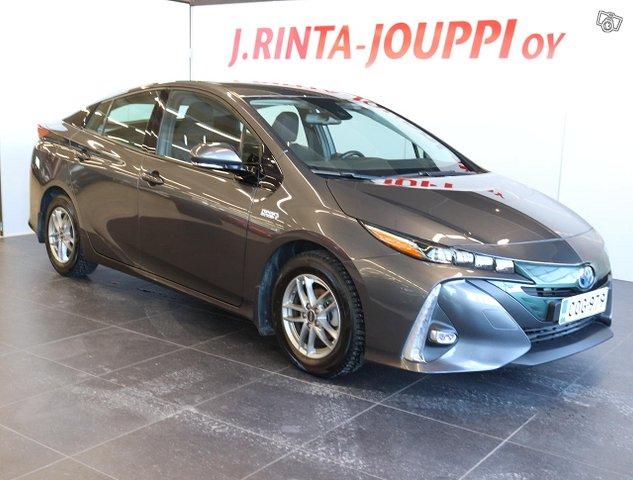 Toyota Prius PHEV 2