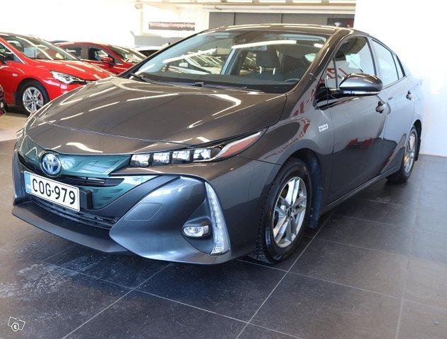 Toyota Prius PHEV 5