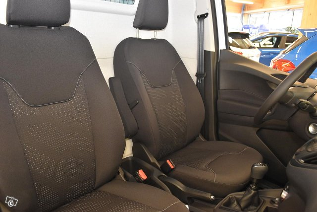 FORD TRANSIT COURIER 7