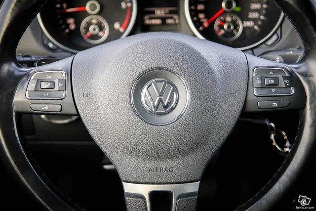 Volkswagen Golf 24