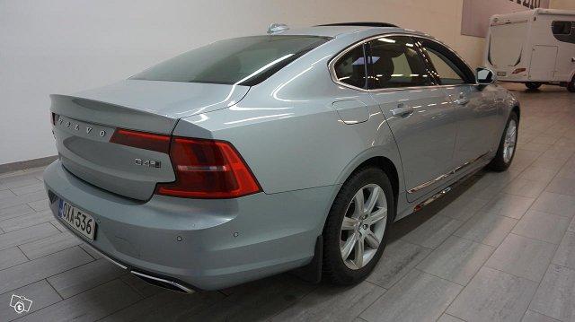 Volvo S90 4