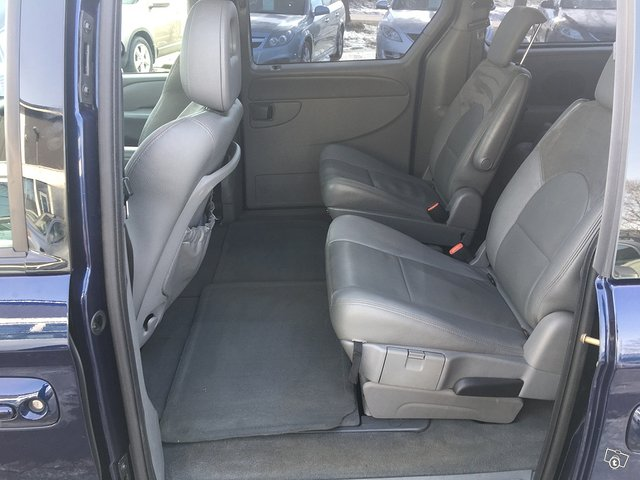 Chrysler Grand Voyager 2.8CRD Comfort StownGo 7-P 8