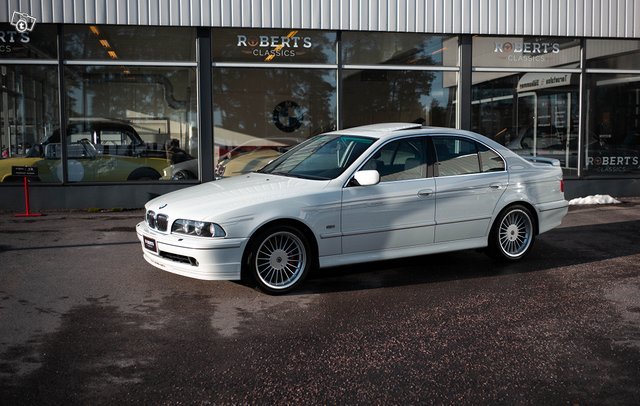 BMW Alpina B10 2